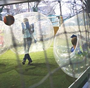 buborékfoci meccs